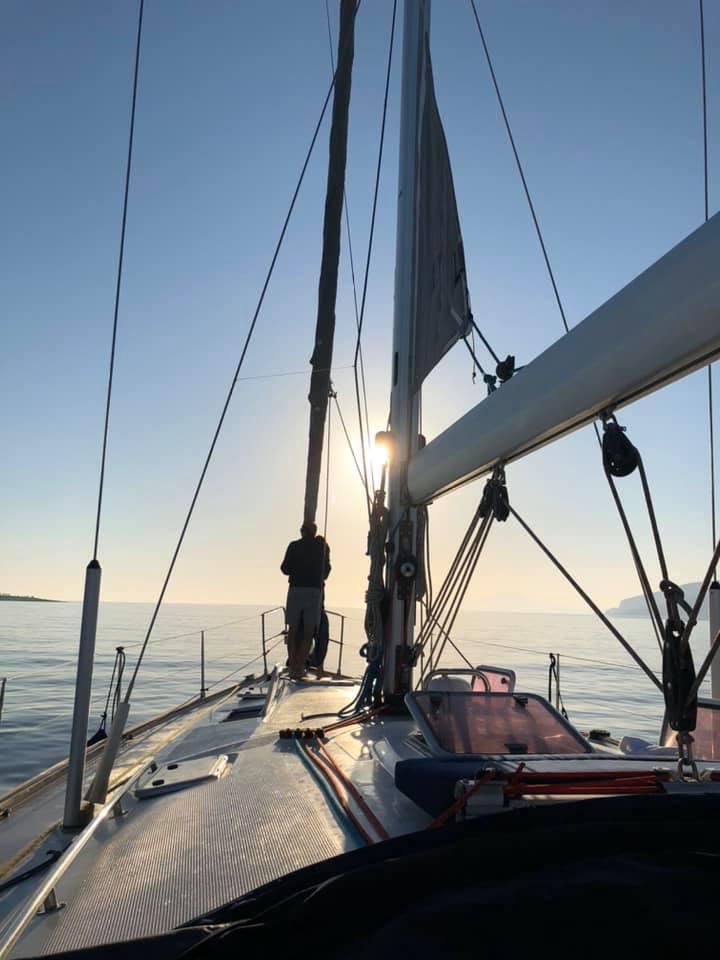 Per le Cicladi in barca a vela