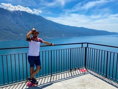 Sulla Terrazza del Brivido, a Tremosine Lago di Garda