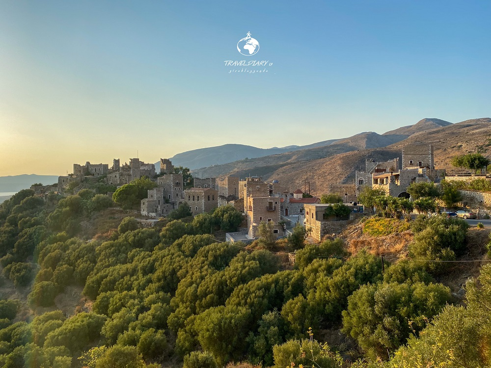 Vathia, borgo fantasma nel Mani, Grecia