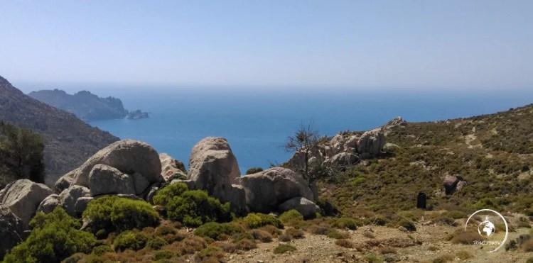 La baia di Tholos, a sud di Tilos