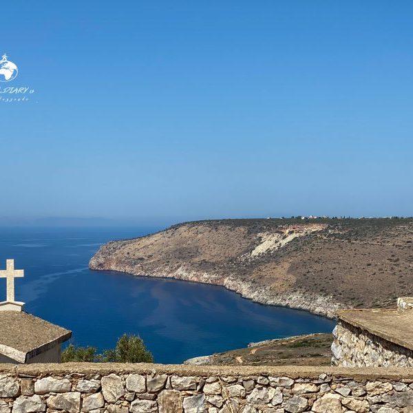 Chiesetta con cimitero nelle vicinanze di Areopoli