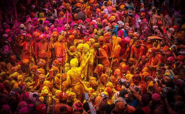 Holi for visitors in Brindavan & Barsana