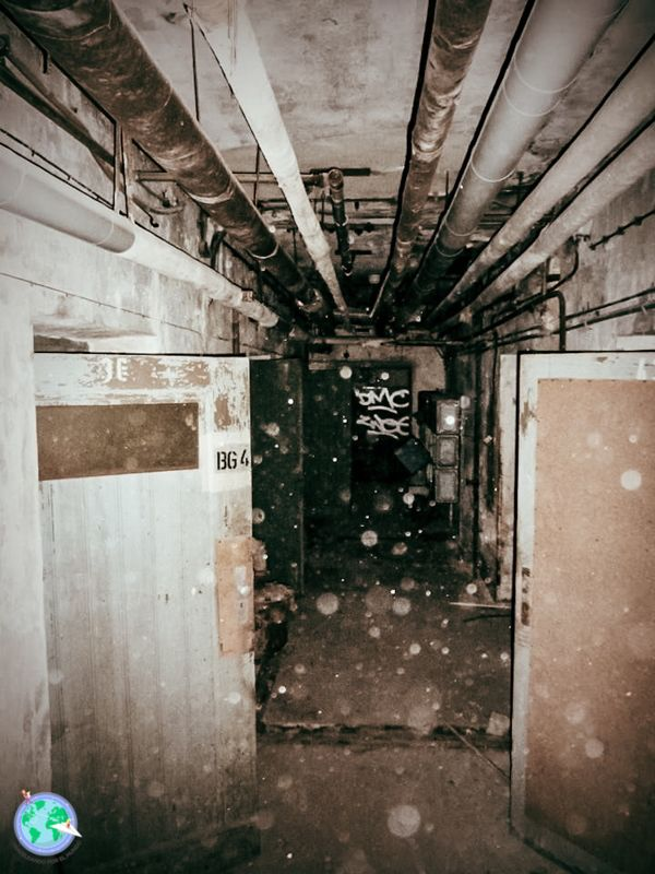 Hospital - Pasillo del sótano r1