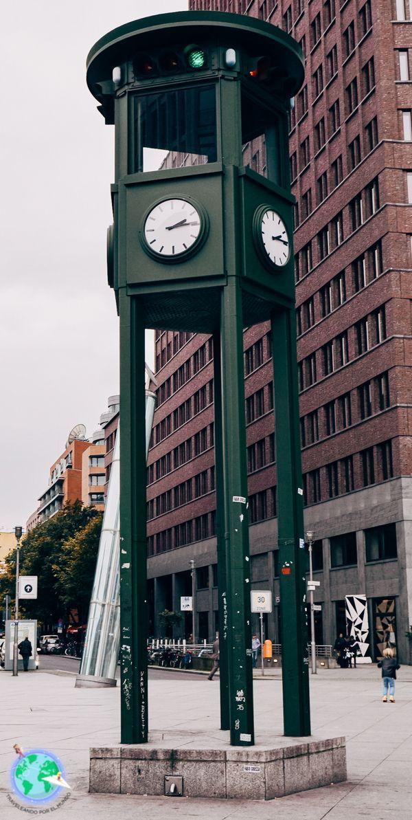 Berlin - Reloj-semáforo de Potsdamerplatz r1