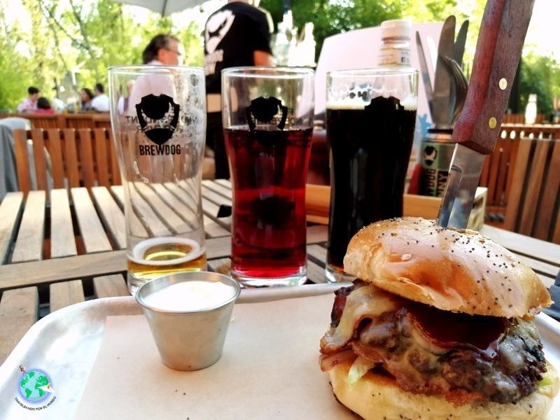 Hamburguesa con cervezas