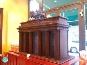Puerta de Brandenburgo hecha de chocolate