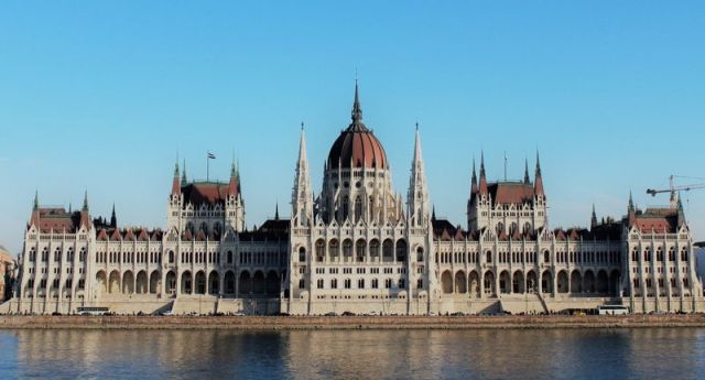 FOTO 1. PARLAMENTO DE BUDAPEST.jpg