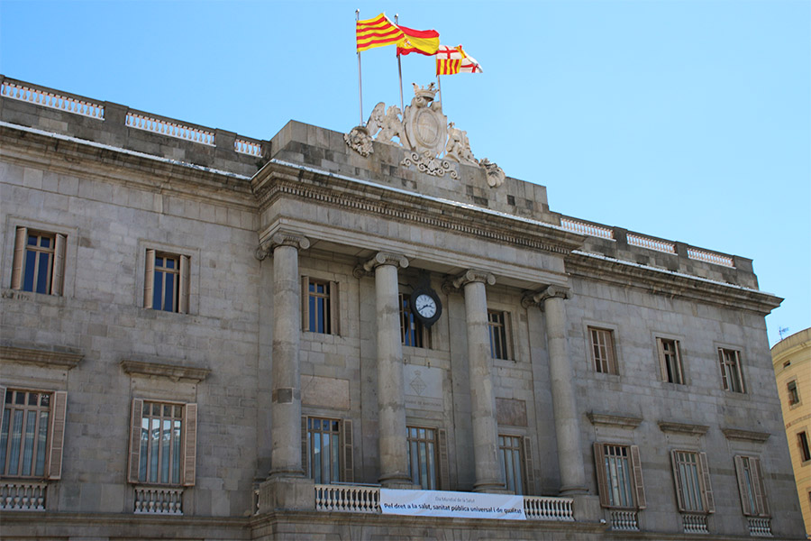 Stop at the Plaça Sant Jaume