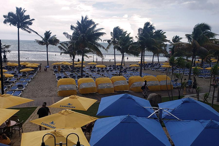 Harvest Caye Beach