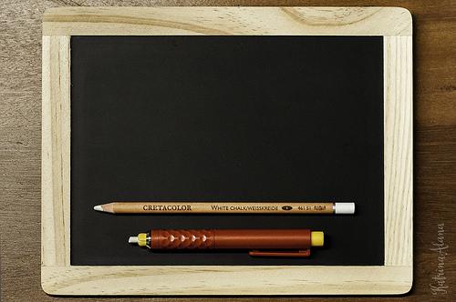 海外旅行で使える英語例文集【機内・入国審査・食事編】