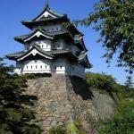 弘前城を曳屋作業で移動する目的は天守下の工事だった!100年ぶりの大改修にネットでは「重要文化財もこうして見るとなんだかおもちゃのような」との声も。
