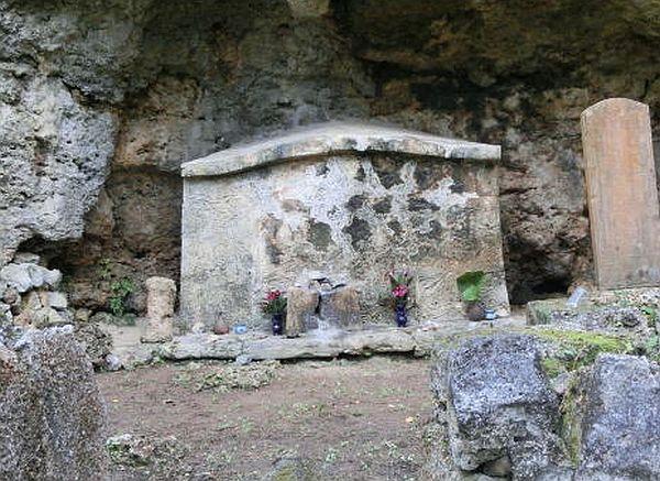 津屋口墓が「アカン墓」と呼ばれるワケ~今泊の謎とは
