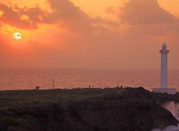 平久保崎は石垣島のパワースポット~灯台から見える夕日が綺麗