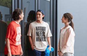 5 Tips Memilih Busana Ramah Lingkungan Buat Pecinta Alam