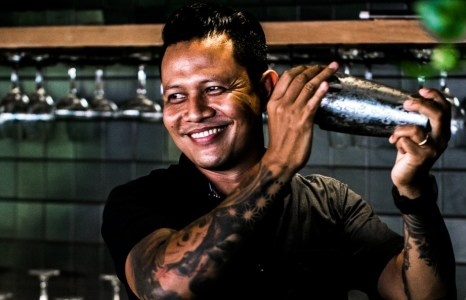 Gogon, si Peracik Koktail Jamu di Grill'd Bali
