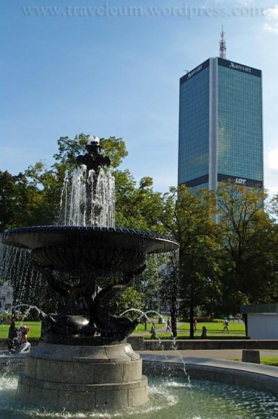 Warszawa - fontanna pod PKiN