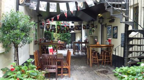 the Chequers pub, Oxford