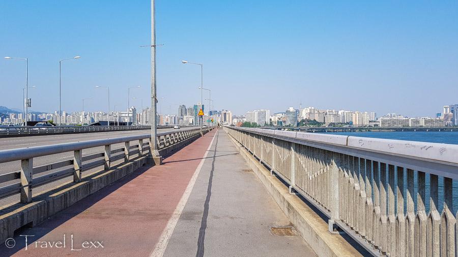 Mapo Bridge - Cycling in Seoul