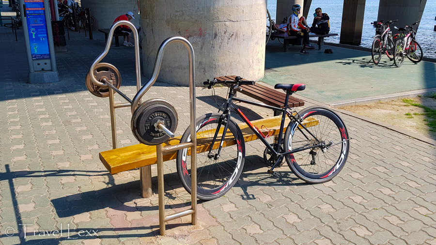 Outdoor gym - Cycling in Seoul