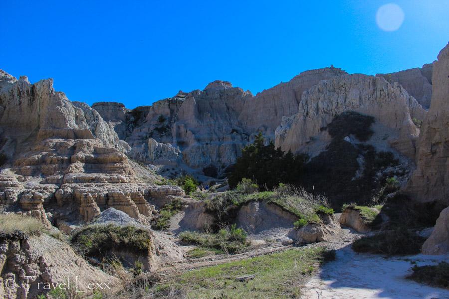 Rock formations along Notch Trail