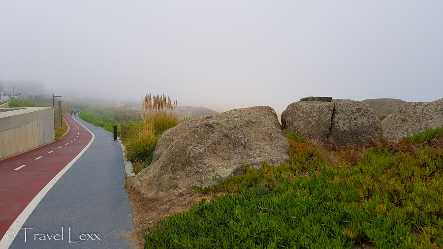 Cycle path and rocks - Capela do Senhor da Pedra