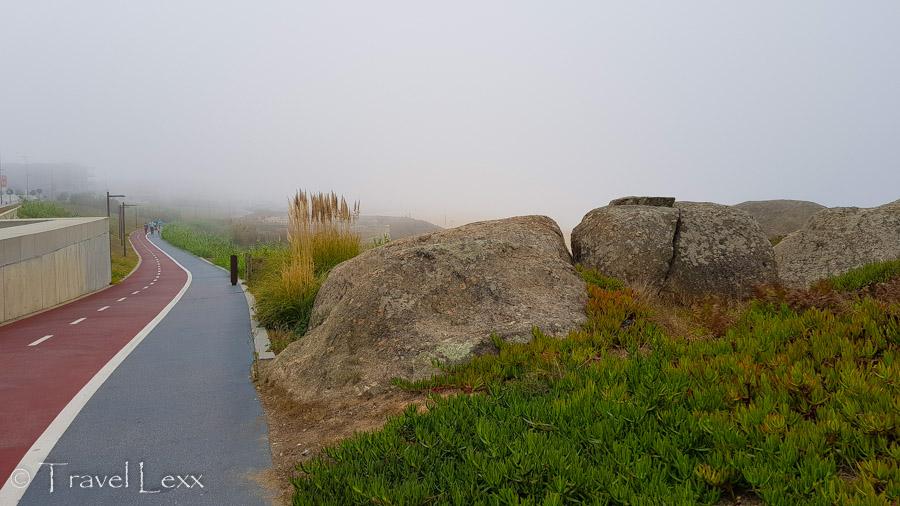 Cycle path and rocks - Capela do Senhor da Pedra