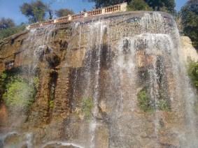 Water falls at Colline du Château..