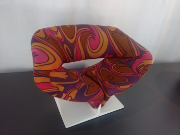 The ribbon chair.