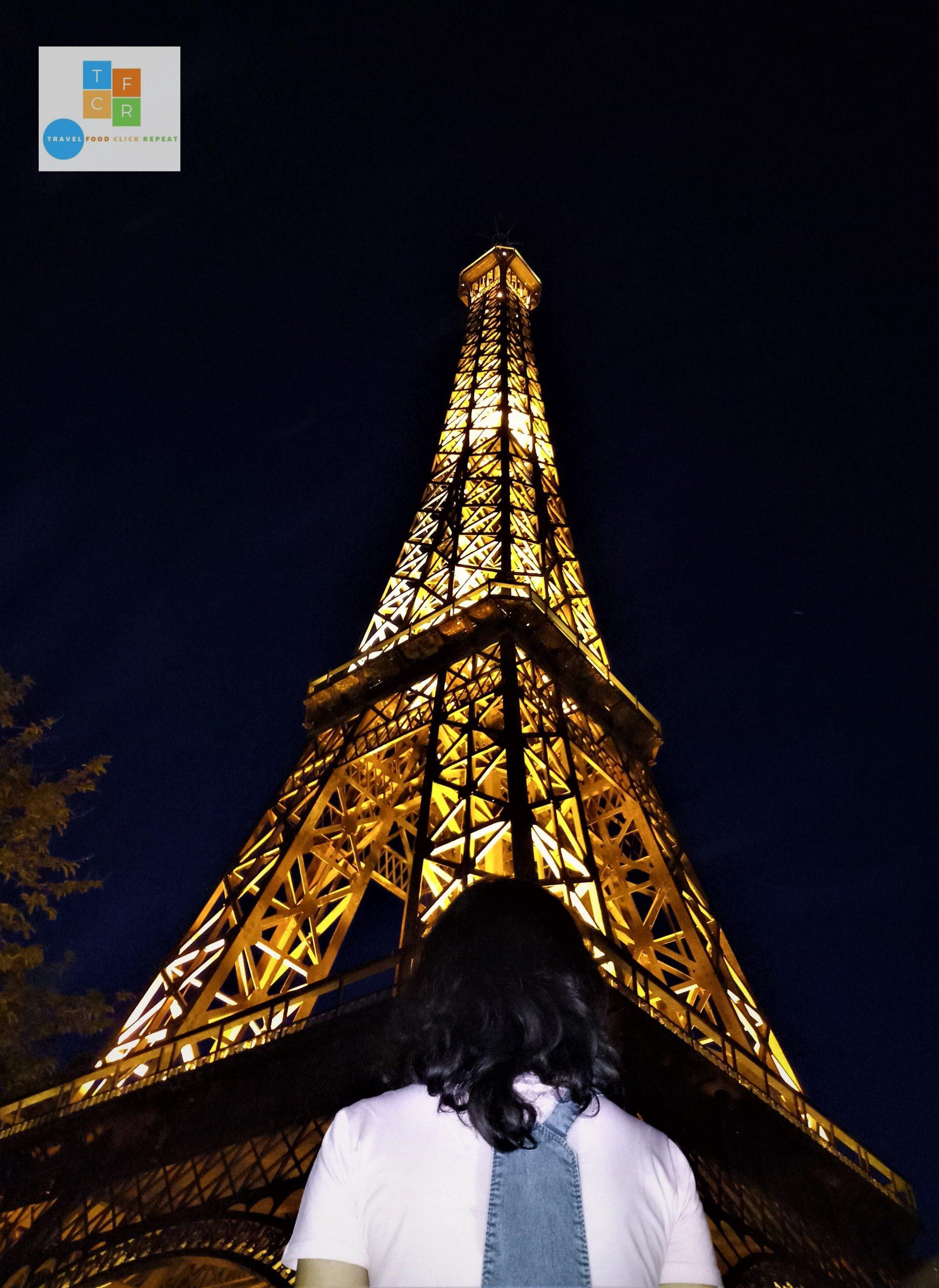 Tavisha-at-Eiffel-Tower