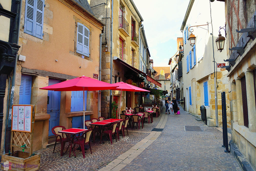 Narrow streets of Montlucon