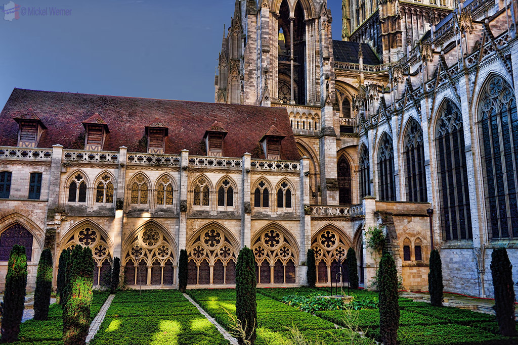 Gardens of the Notre Dame cathedral of Rouen