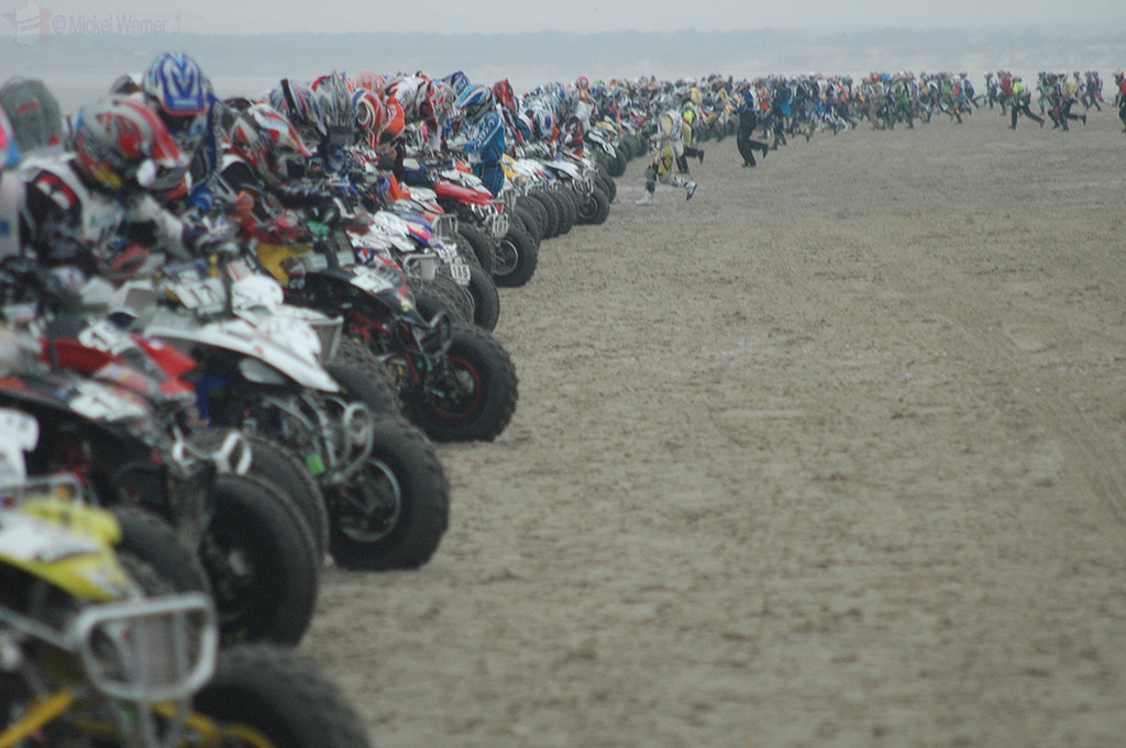 Quad race start at Le Touquet Enduropale