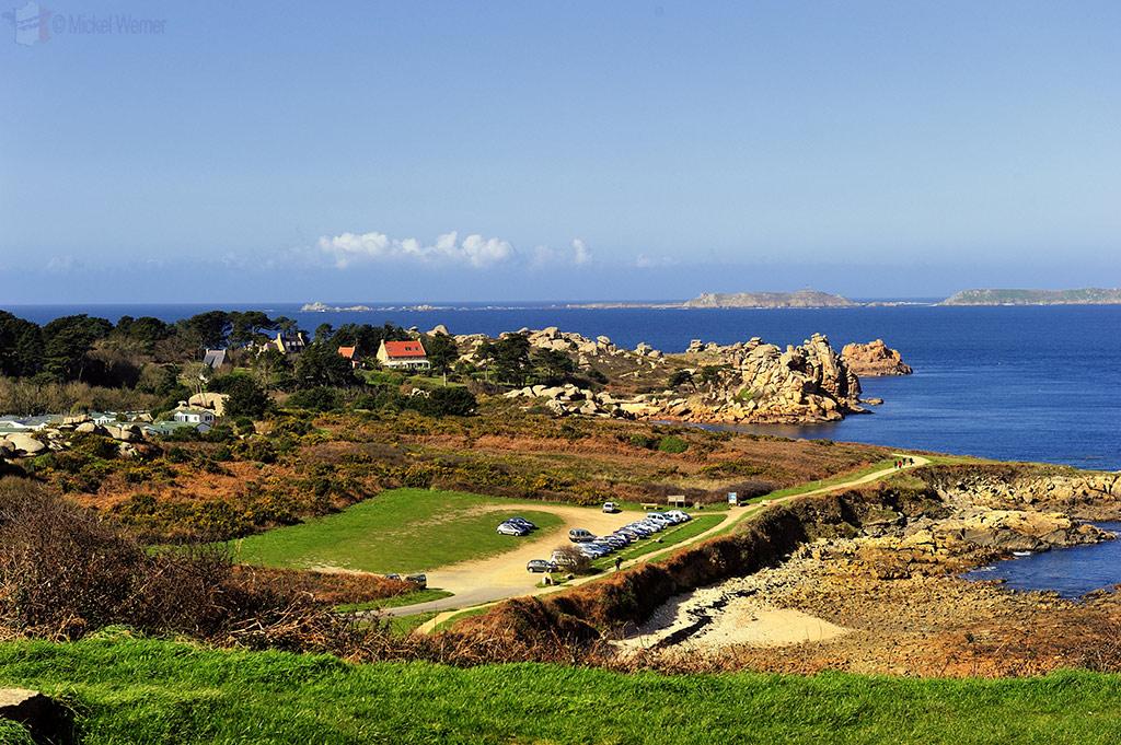 Car park along the coastal hiking path of Perros-Guirec