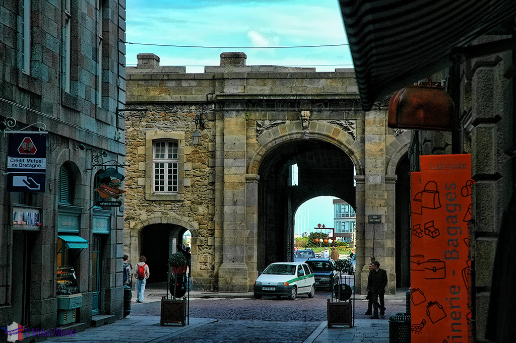 Inside the walled city, the Saint-Vincent gate of St. Malo