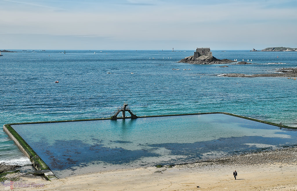 Natural swimming pool as seen from the fortified walls of St. Malo