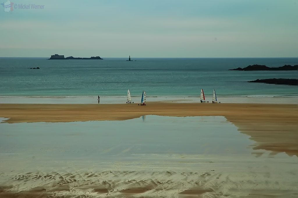 Land sailing on the beach as seen from the fortified wall of St. Malo