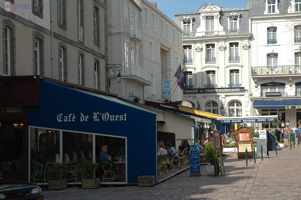 One of the many restaurants in and around St. Malo