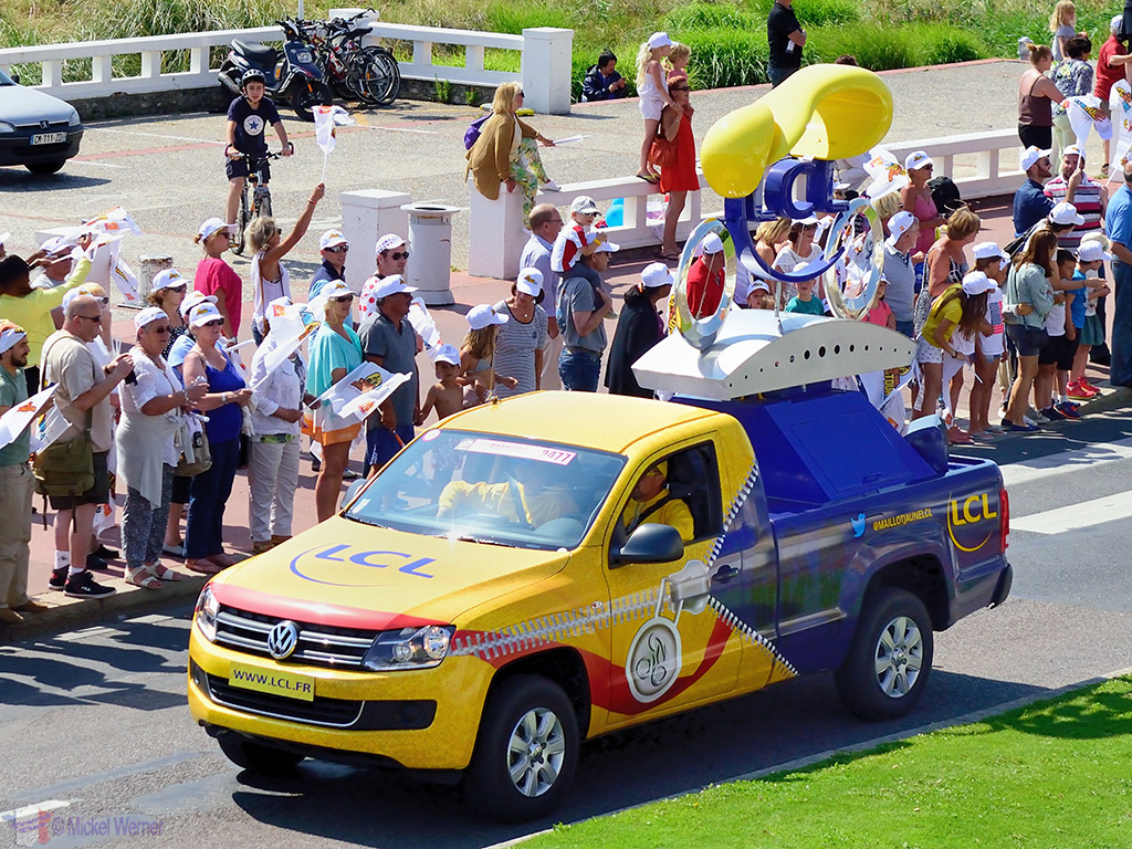 First vehicles on the publicity caravan at the Tour de France