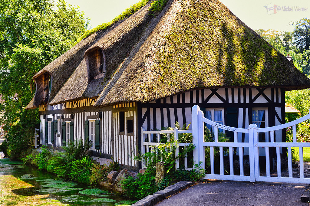 Thatched cottage at Veules-Les-Roses