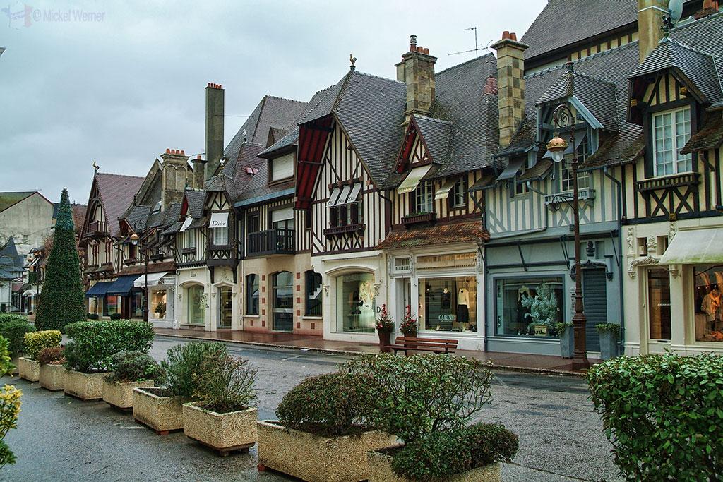 Luxury brand shops in Deauville
