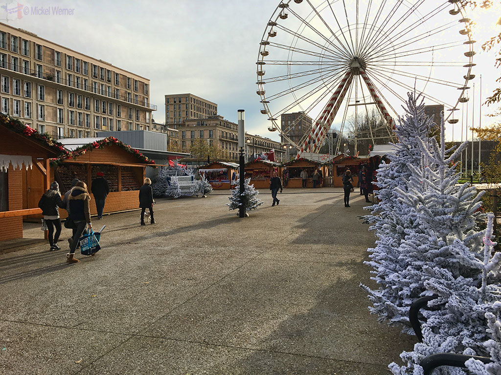 Christmas stalls and ferris wheel at the Mairie of Le Havre