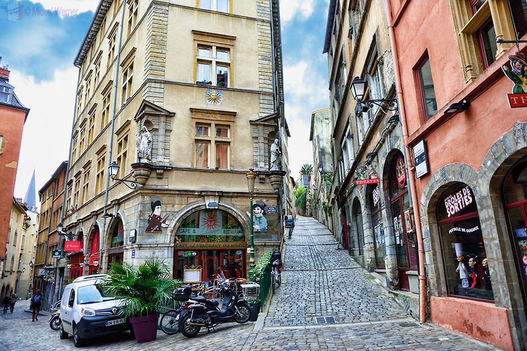Street scenes of old Lyon