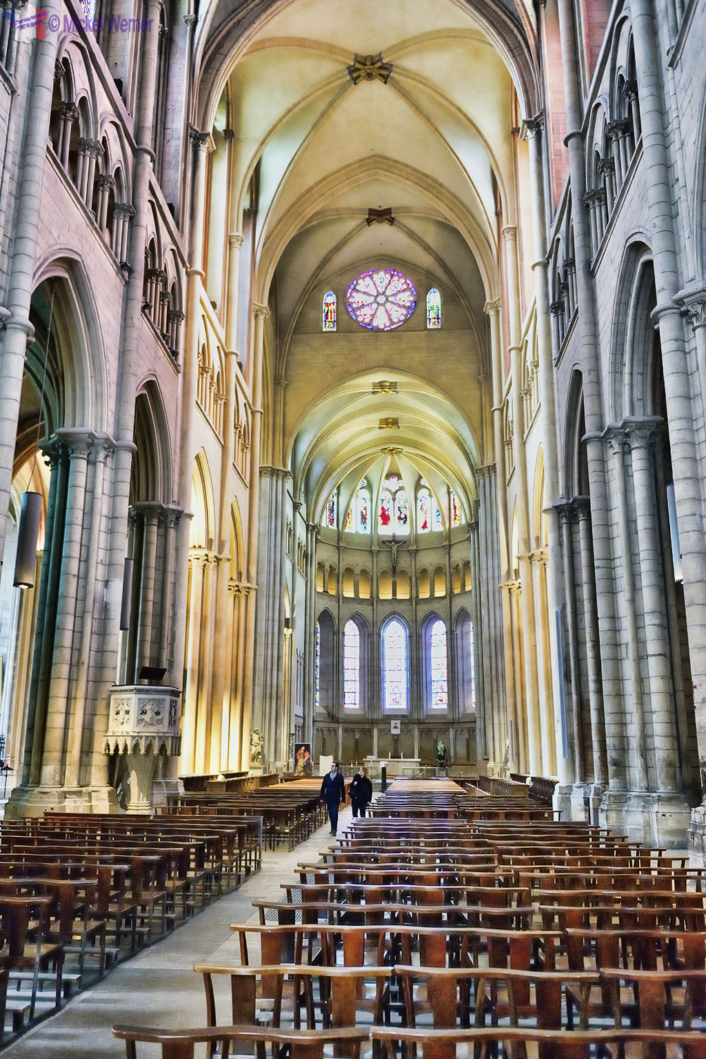 Inside the nave of the Cathedrale Saint-Jean-Baptiste de Lyon - Saint John the Baptist Cathedral of Lyon