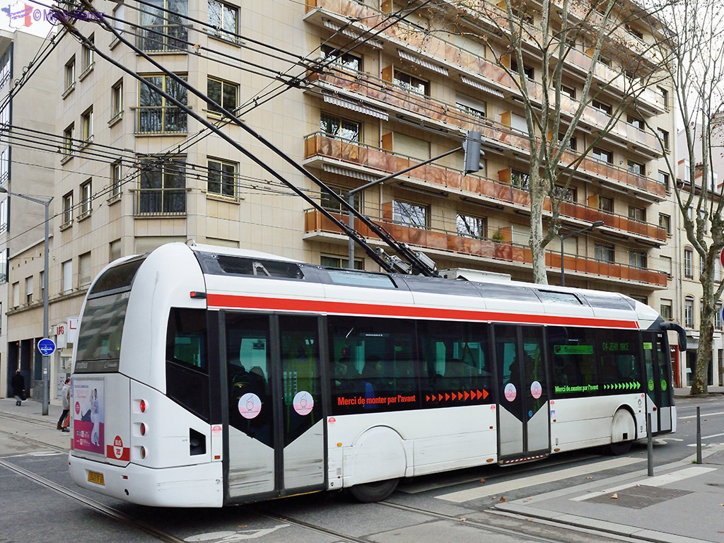 Lyon Transportation - Trolley bus