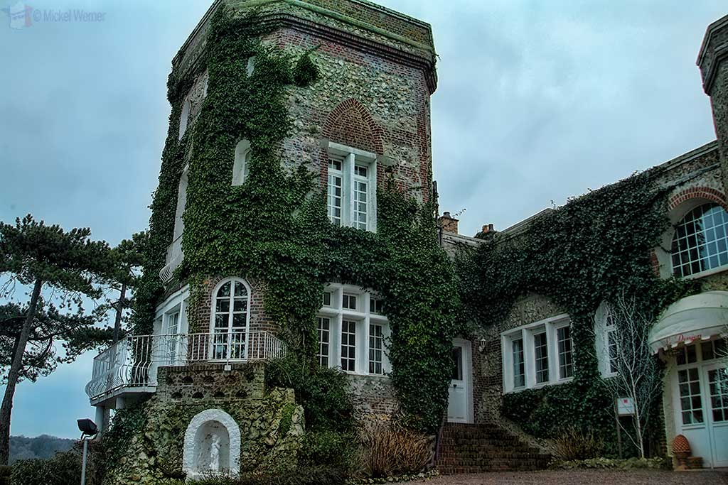 Etretat Castle – Domaine St. Clair Donjon Castle and Villa