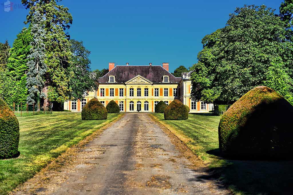 Courcelles-sous-Moyencourt Castle – The Lama Castle