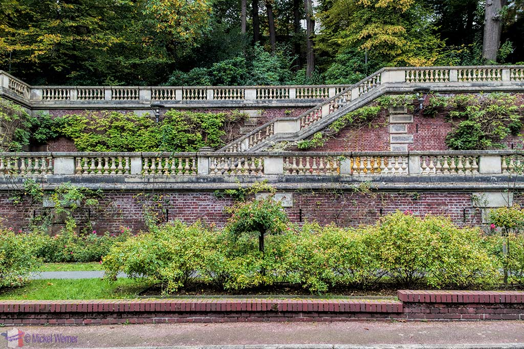 Park wall of the Villa la Roseraie (castle) at Saint Adresse (Normandy)
