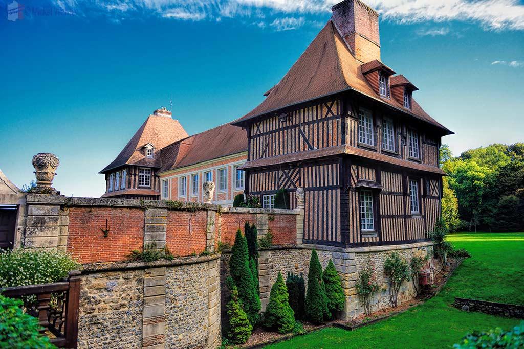 Le Breuil-en-Auge  –  Chateau du Breuil and Calvados Distillery