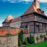 Le Breuil-en-Auge - Chateau du Breuil and Calvados Distillery