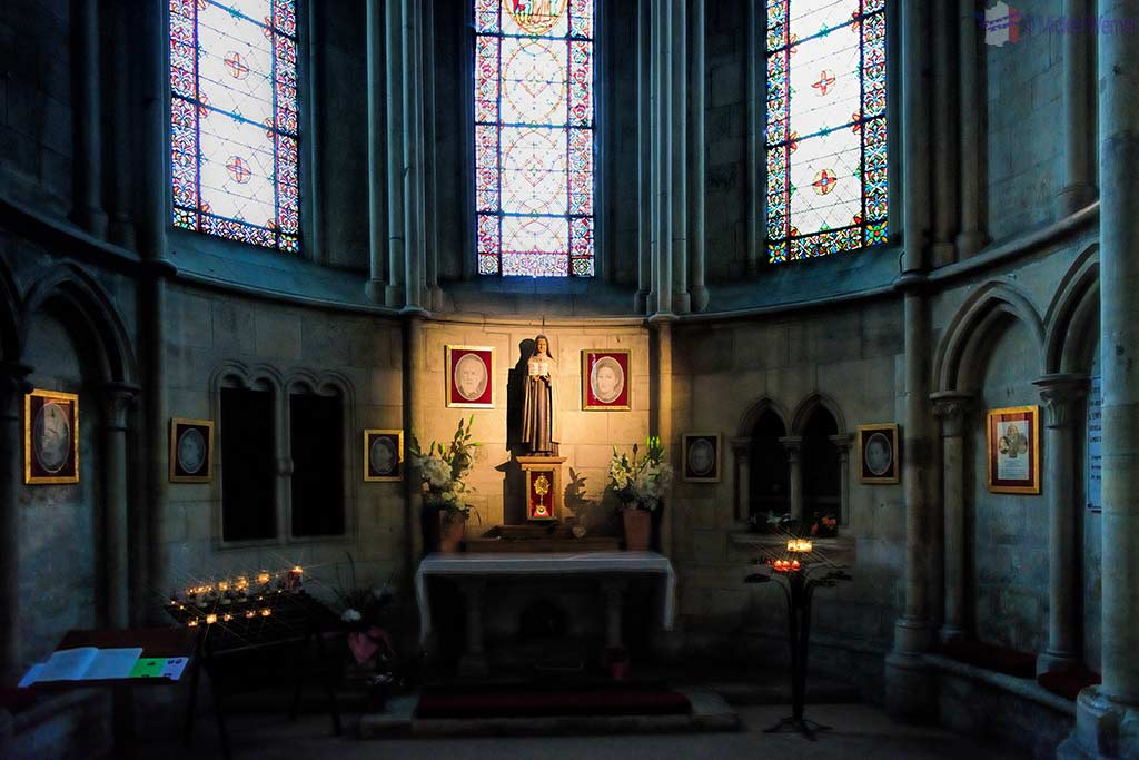 Chapel inside the Saint-Pierre cathedral of Lisieux